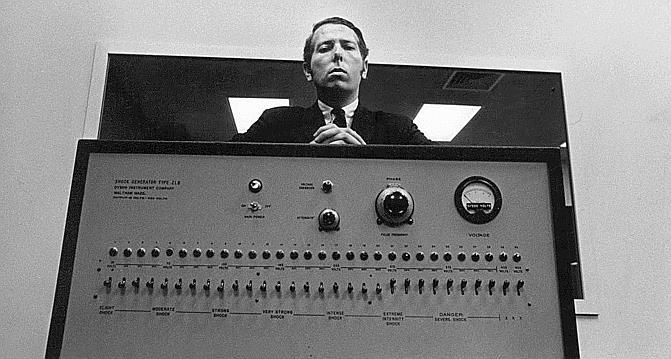 L'art de l'électrochoc: les mensonges de l'«expérience de Milgram» - Le  Temps