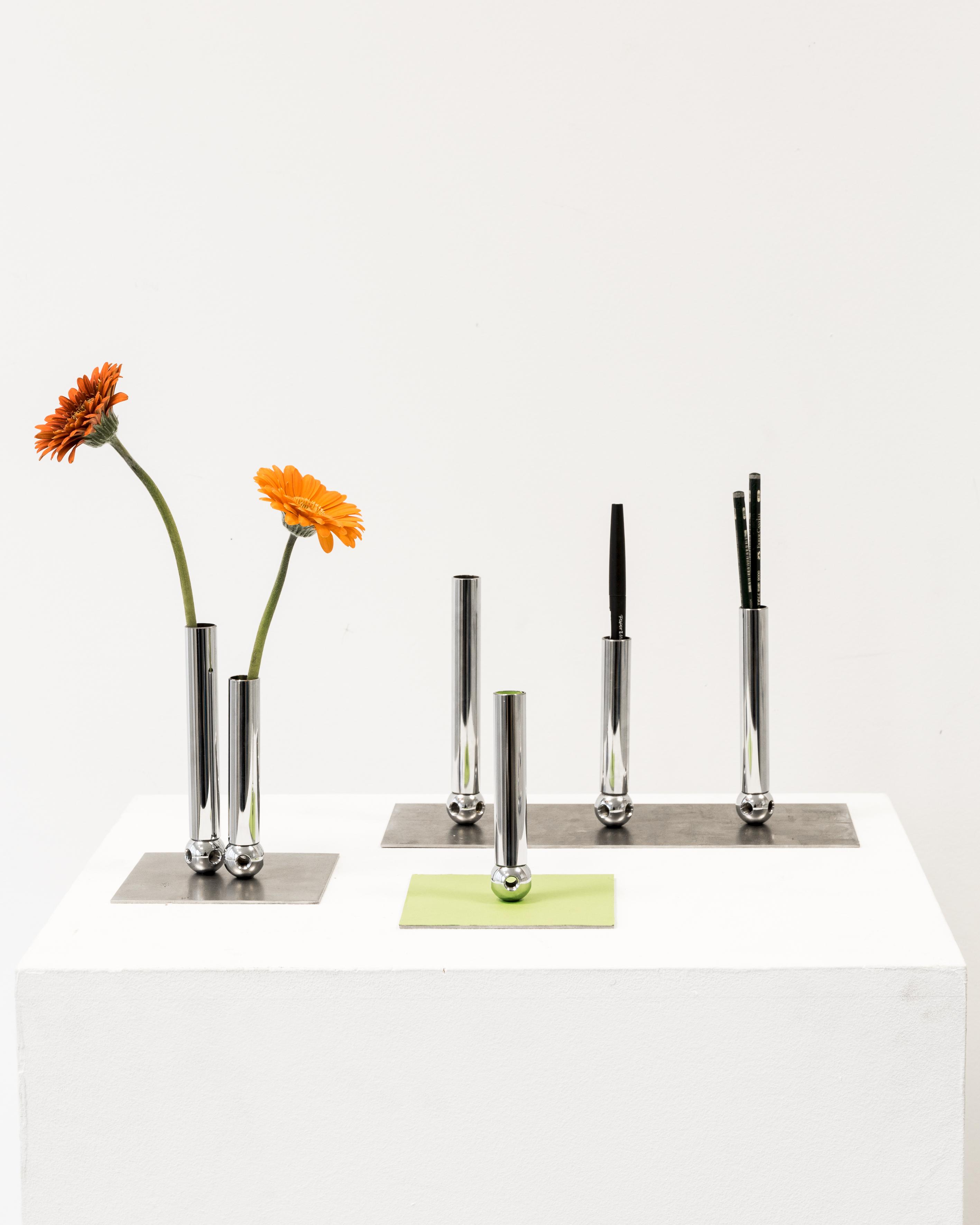 au c ur du design suisse le temps. Black Bedroom Furniture Sets. Home Design Ideas