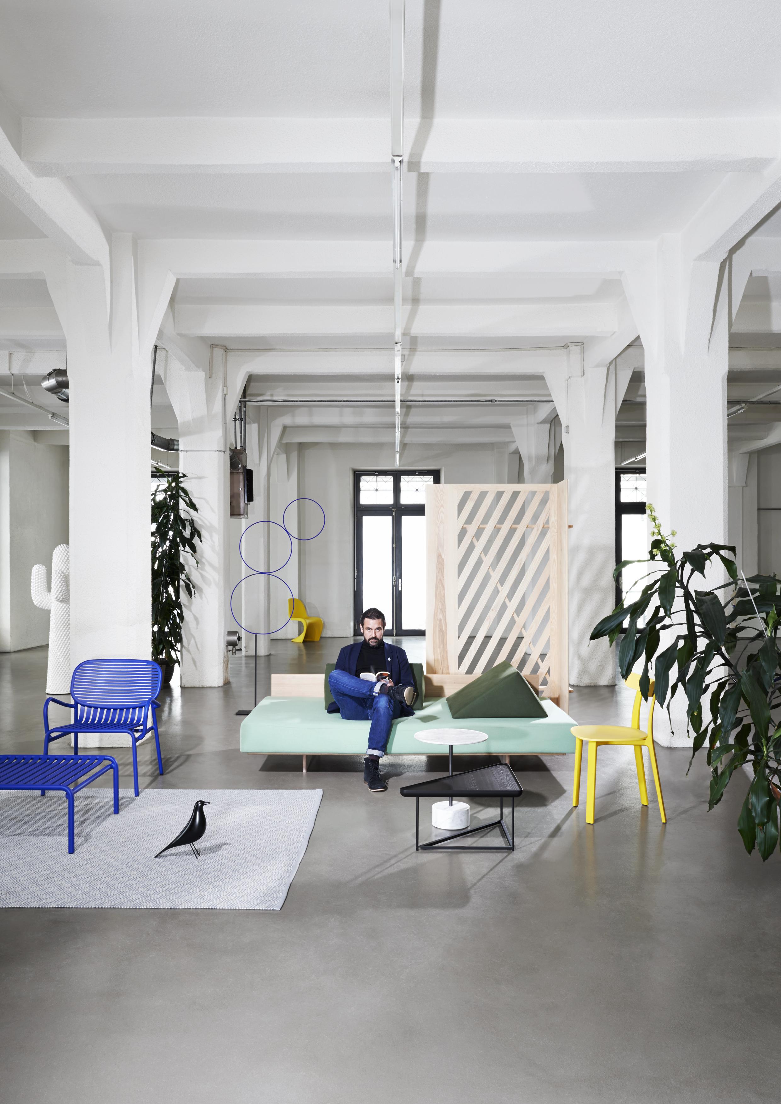 moyard ouvre lausanne un magasin de design ph m re le temps. Black Bedroom Furniture Sets. Home Design Ideas