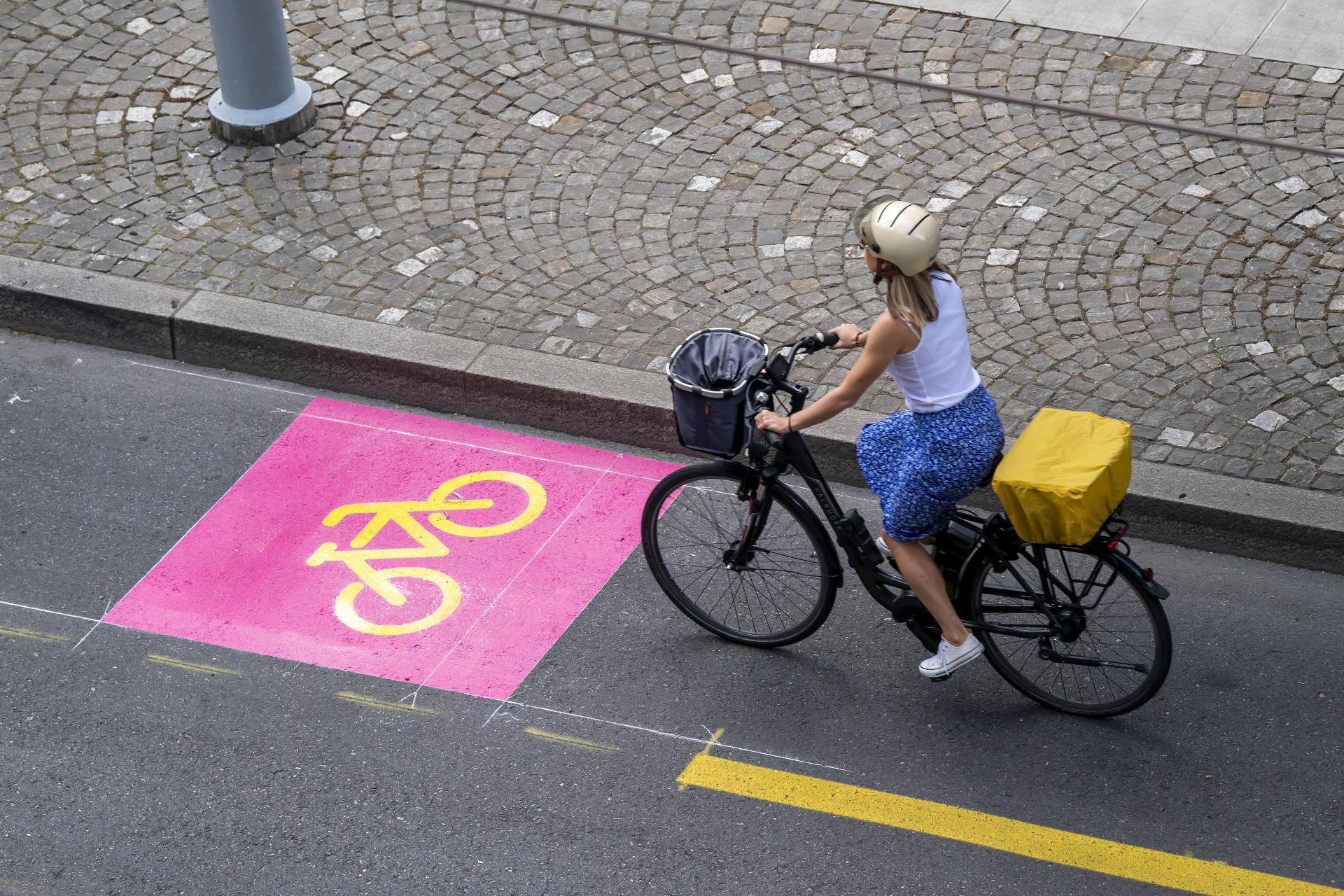 Pistes Cyclables A Zurich C Est Le Chaos Mais Ca Fonctionne Le Temps