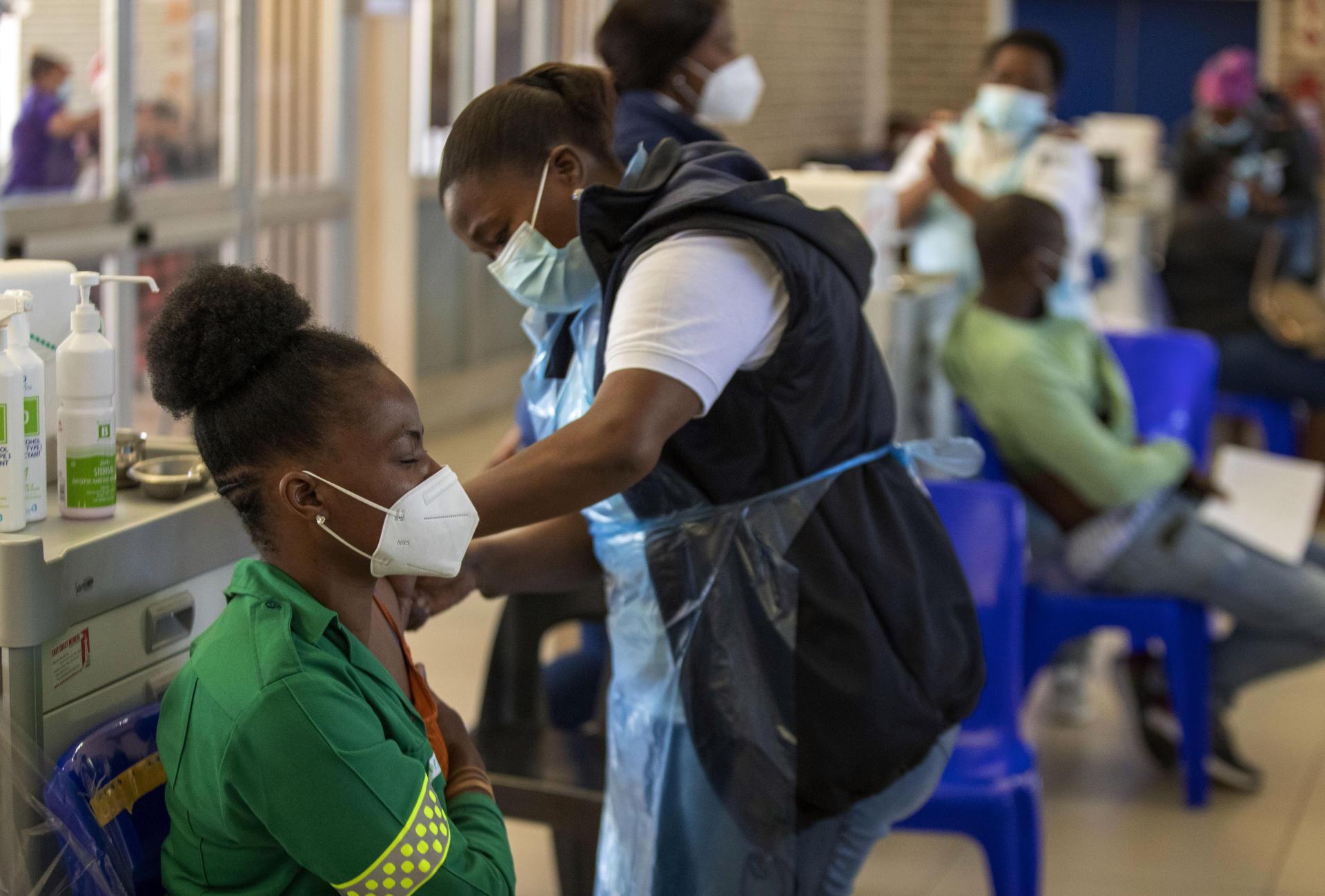 Vaccination: la locomotive sud-africaine en panne - Le Temps