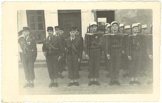 -Fritz BACHMAN un  Suisse raconte son séjour à la Légion File6u319uudhpxsp0912xm.jpg