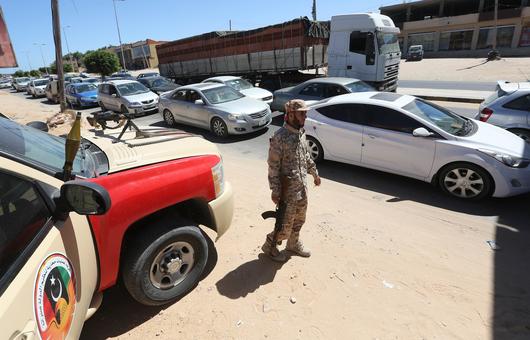 Checkpoint anti-migrants contrôlé par une milice libyenne à Sabratha, 11 septembre 2017. (AFP)
