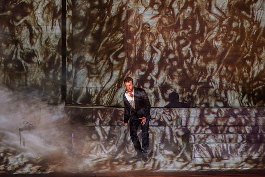 Un «Don Giovanni» de béton s'incruste à Garnier