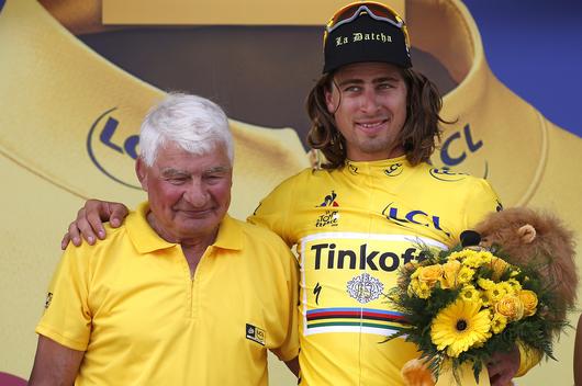 Le cycliste Raymond Poulidor est mort, mais la légende demeure