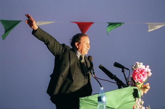 Algérie -Abdelaziz Bouteflika, du séduisant diplomate à l'encombrante statue File74qi05yjdxvy3uadfp5.jpg