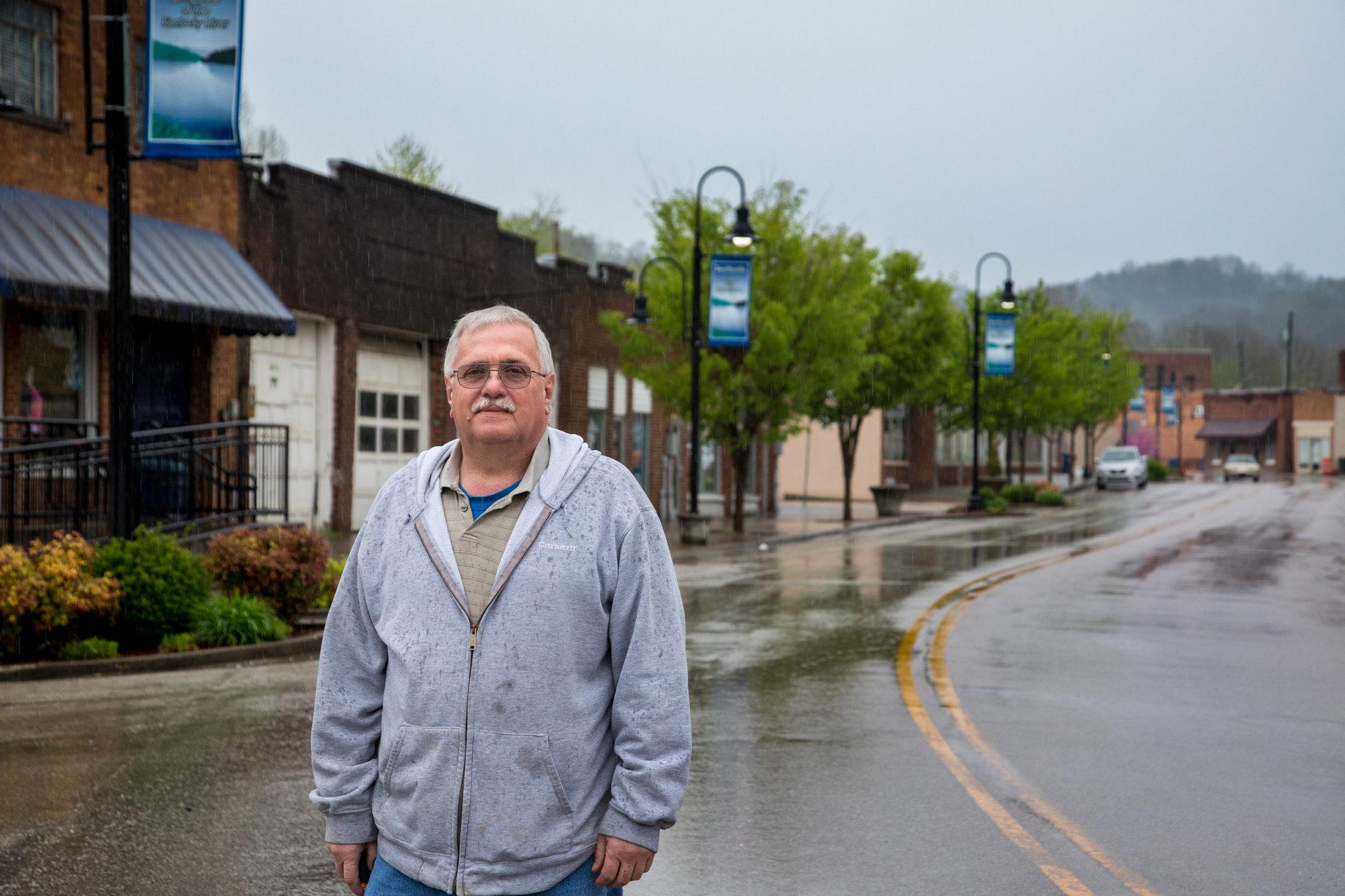 Edward Scott Jackson, maire de Beattyville depuis le début de l'année. Il était auparavant le «dog catcher» du coin.