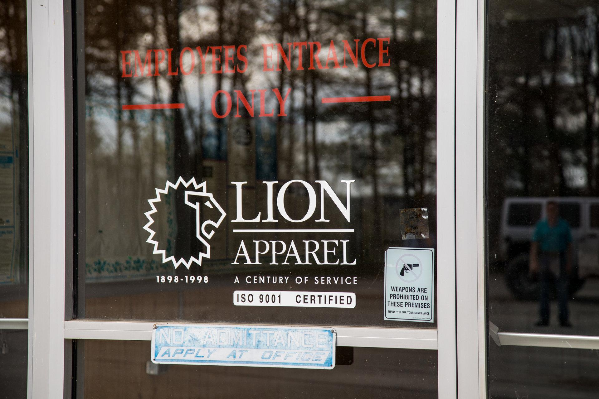 L'usine Lion Apparel est toujours vide après sa fermeture il y a plus de cinq ans.