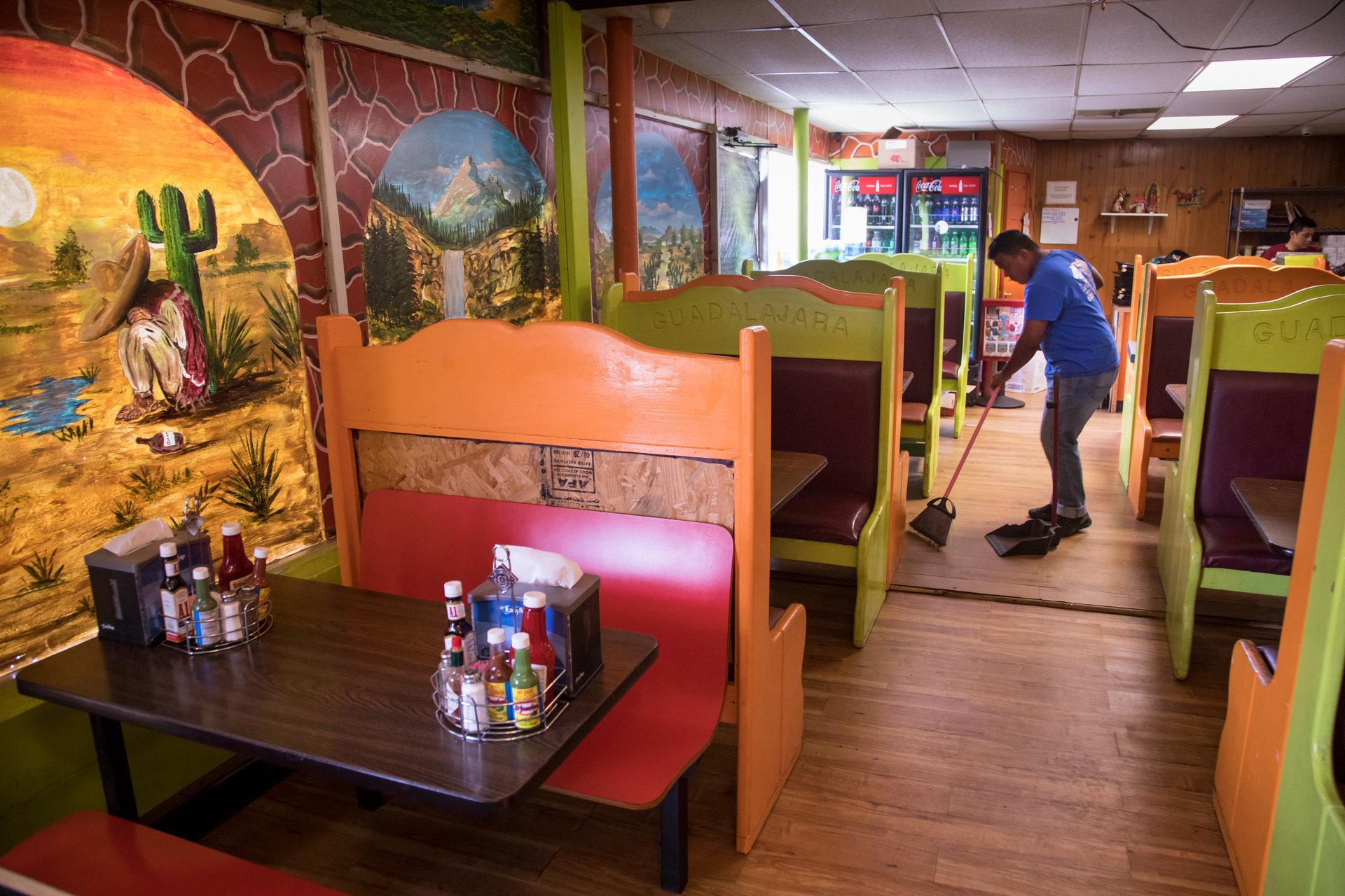 Le restaurant Los Two Brothers est l'un des coins les plus animés de la ville.