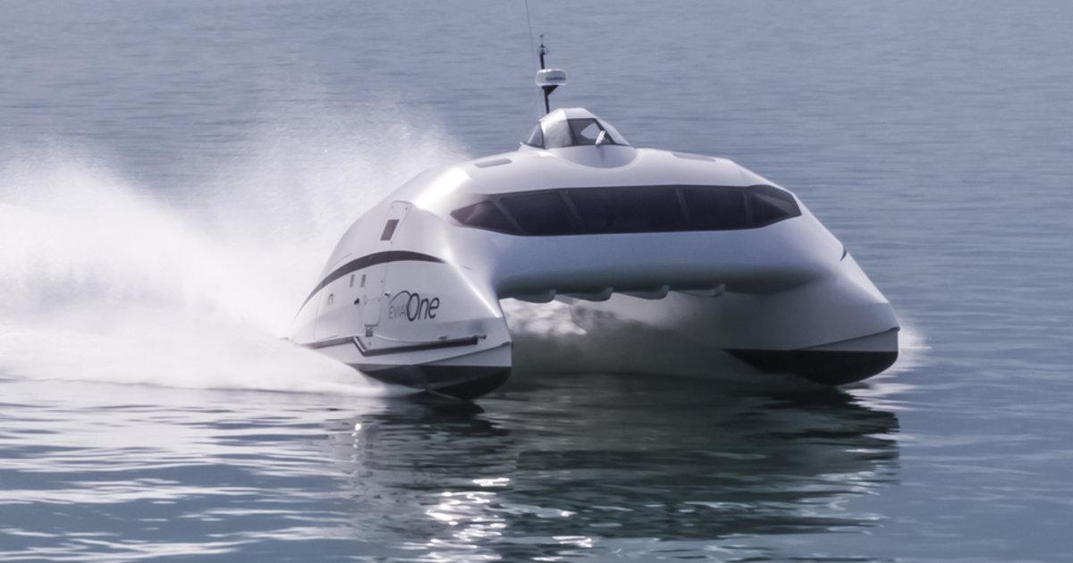 Sur Le Lac Leman Un Catamaran Qui Imite L Avion Le Temps
