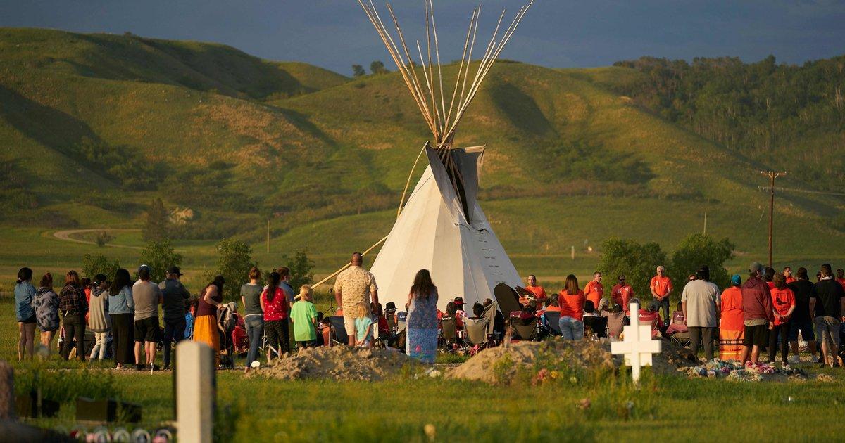 La tragédie des pensionnats pour autochtones au Canada ravivée par la découverte de 182 nouvelles tombes
