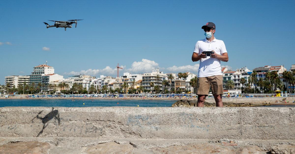 [En continu] En Espagne, les baigneurs barbotent sous la surveillance de drones