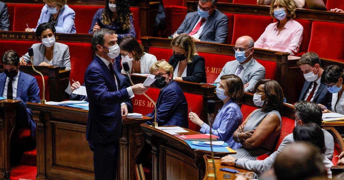 Le pass sanitaire validé par le Parlement en France