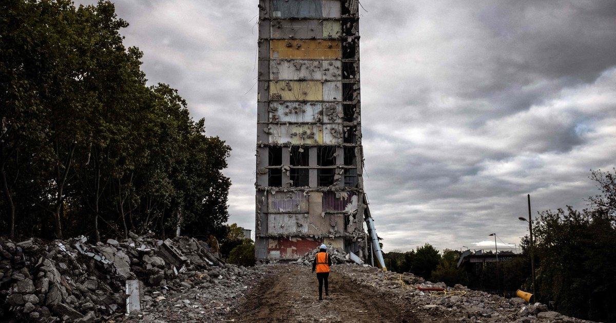 À l'entrée de Lyon, la démolition symbolique de «l'unité de construction numéro 1»